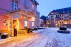 Eingang zum Relexa-Hotel im Winter